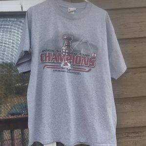 CO Avalanche '01 Stanley Cup Champs t-shirt